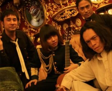 日本のバンド「ピラミッドス」、ギリシャの歌でアテネに凱旋