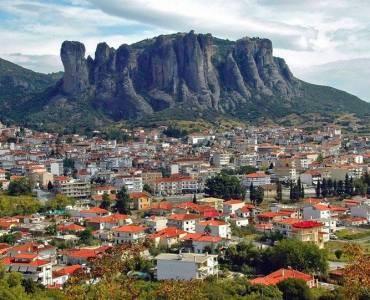 世界遺産・メテオラの修道院群で有名なカランバカ市、メテオラ市に改名