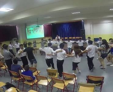 日本人もギリシャ人も、シルタキのリズムで踊ろう!(Video)