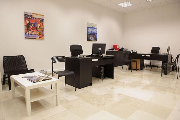 police-tourist-office2
