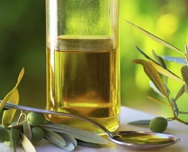2015年にギリシャから日本へ輸入されたオリーブオイルが記録的な増加