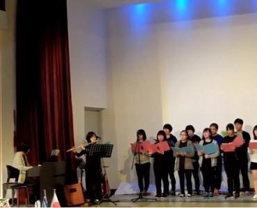 ミロス島レポート:「二十四の瞳友好使節団2016」の生徒ら、ギリシャ国歌を歌う(Video)