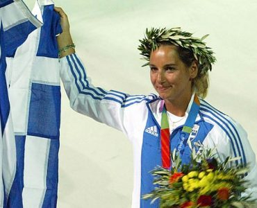 リオ五輪:セーリングのベカトール、ギリシャ代表団初の女性旗手に選出