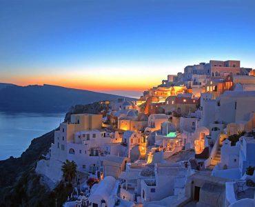 ギリシャ・サントリーニ島、ハネムーンに最適な目的地の第1位に