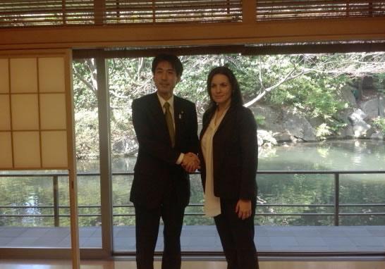 Η κα Όλγα Κεφαλογιάννη με τον  κ. Minoru Kiuchi