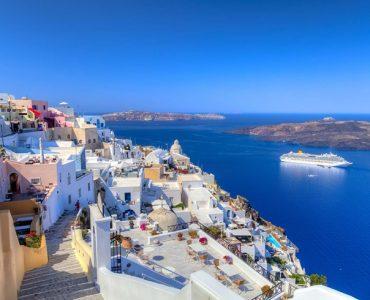 人生を変えるカップルのための15の旅:米旅行誌T+L、サントリーニ島と箱根を選出