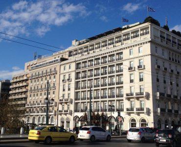 シンタグマ広場のキングジョージホテル、隣接するグランブルターニュホテルを所有する会社に売却