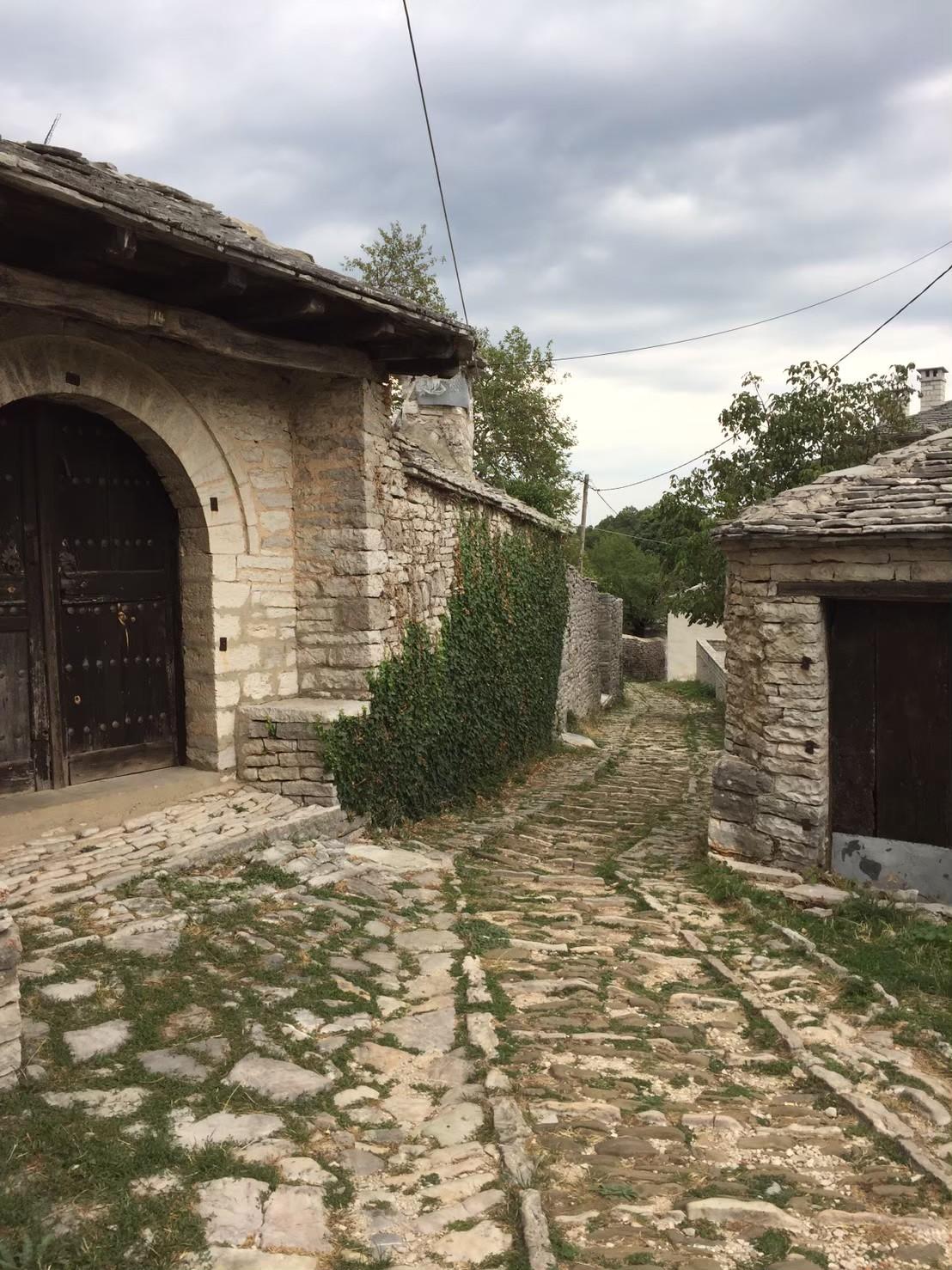 ザゴロホリアの村の風景