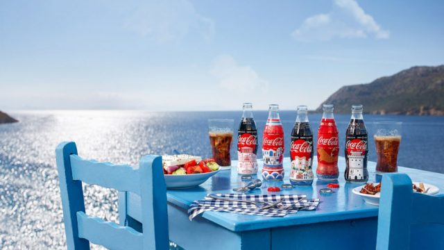 Coca-Cola-Greece-Seasonal_2.jpg