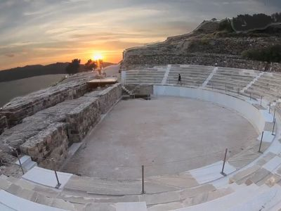 ancient-theatre-milos.jpg
