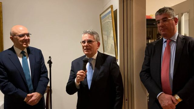 greek-ministers-tokyo-greecejapancom.jpg
