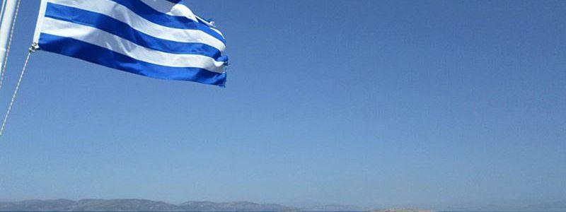 greek_flag_sea.jpg