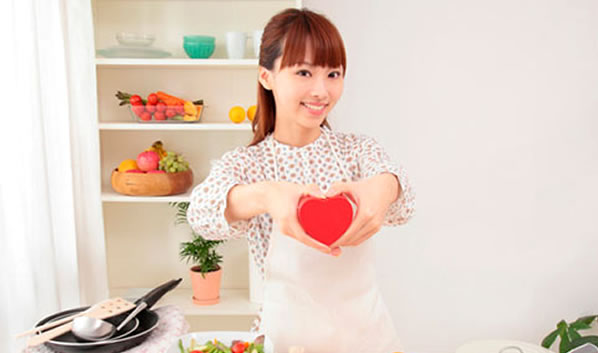 japan-girl-cooking