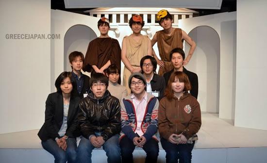 Oι φοιτητές-συντελεστές της παράστασης στο Τόκιο. photo: GreeceJapan.com