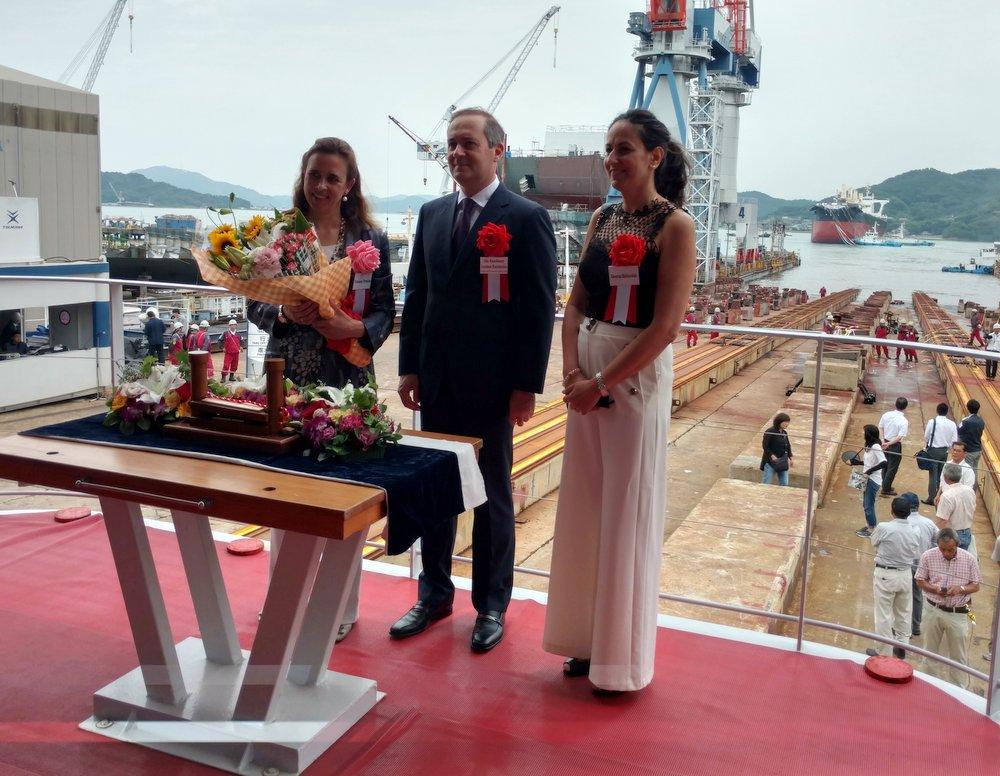 Η κα Τατιάνα Πεταλά με τον Πρέσβη κ. Λουκά Καρατσώλη και τη σύζυγό του κα Κατερίνα Μαθιουδάκη