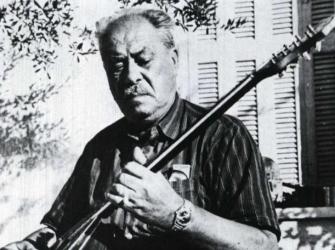 Μια Γιαπωνέζα θυμάται τον Μάρκο Βαμβακάρη και τραγουδά…