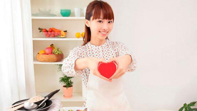 japan-girl-cooking.jpg