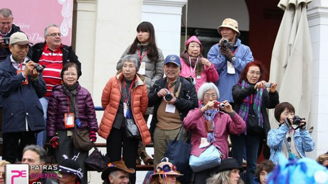 japan-tourists-patras.jpg
